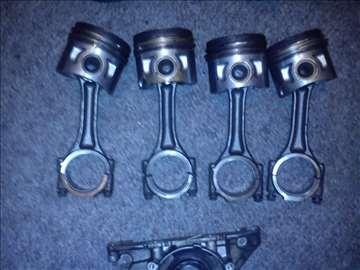 Audi a3 20TDI 16 v 2004 god delovi motora