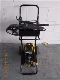 Karcher HD 700 za pranje vozila