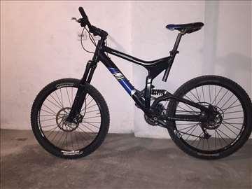 Prodajem bicikl Scott Nitrous
