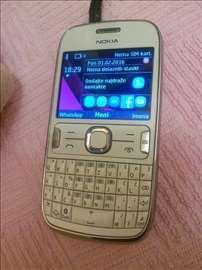 Nokia Asha 302, bela