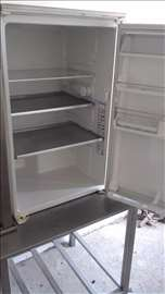 Prodajem mali frižider