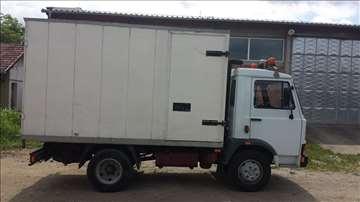 Prodajem kamion Zastava  Iveco - furgon
