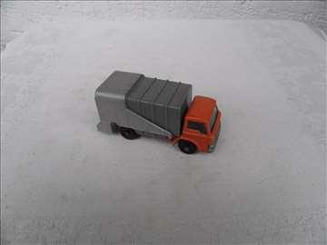Matchbox kamion smećar, England, 1:87 (7.7cm)
