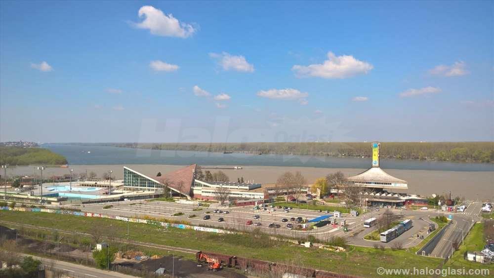 25 Maj Kej Vrhunski Pogled Na Dunav I Ušće Halo Oglasi