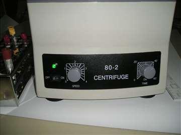 Laboratorijska centrifuga novo