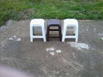 Tri  taburei (PVC)