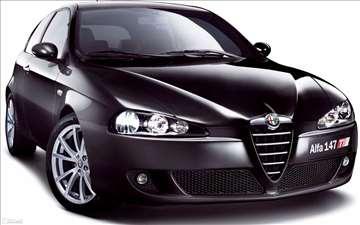 Alfa Romeo 147  KOMPLETAN AUTO U DELOVIMA