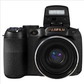Digitalni foto-aparat, Fuji Finepix S2800