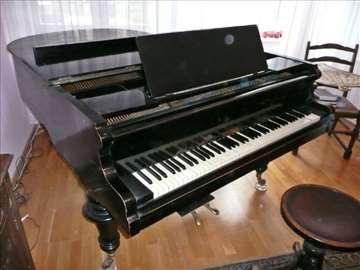 Franz Wirth polukoncertni klavir