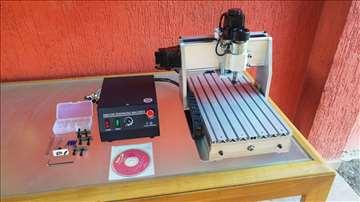 CNC mašina - graverka
