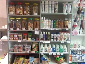 Veliki izbor hrane i opreme za kućne ljubimce