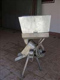 Uređaj za seckanje jabuka / dunja / kajsija /