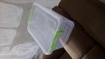 Plastične kutije sa poklopcem