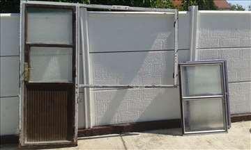 Metalna vrata i prozor