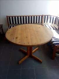 Трпезаријски сто, пуно дрво