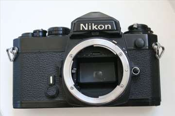 Nikon FE crno telo