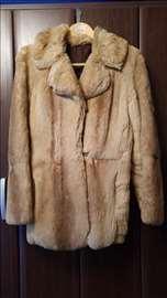 Kratka ženska bunda od zečjeg krzna