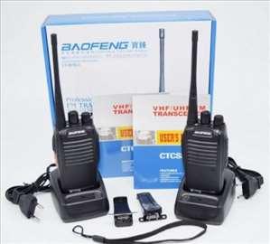 Dve Baofeng radio stanice sa opremom