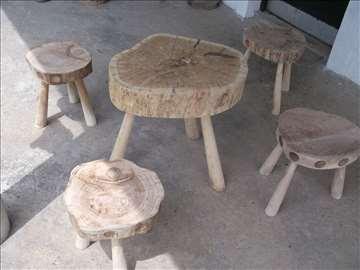 Prodajem stočić i četiri stolice, ručni rad