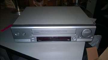 Prodajem Aiwa video rekorder