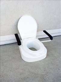WC nasatvak Invacare sa rukohvatima