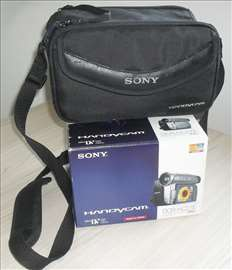 Sony DCR-HC27 Handycam Mini DV camcorder