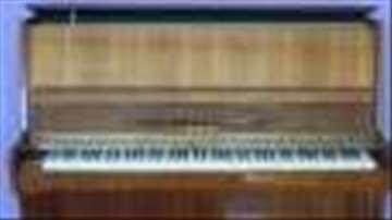 Prodajem pianino Lirika