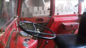 Prodajem traktor IMT 539