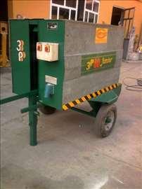 Mašina za čišćenje i podmazivanje panela fosne