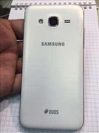 Mobilni telefon Samsung J3 2016 j320