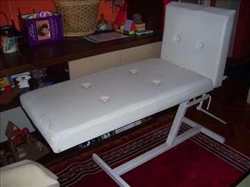 Krevet za kozmetičare, fizioterapeute i masažere