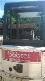 Bobcat 320 na prodaju