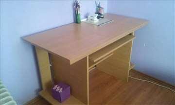 Prodajem radni sto