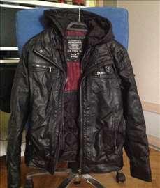 Crna jakna na prodaju