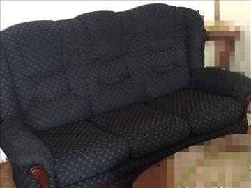 Garnitura za sedenje (trosed i dve fotelje)