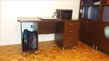 Prodajem kancelarijski sto i 2x orman sa policama