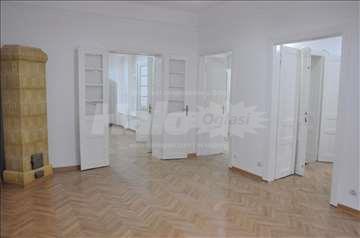 Izdajem poslovni prostor u centru kralja Milana 15