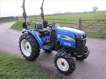 New Holland T1560 4WD  -  2012