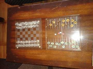Stakleni šah + 2 igrice