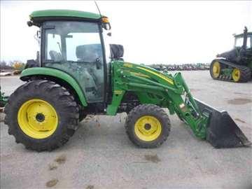Traktor John Deere 4z72z0