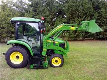 John Deere 37v2c0 traktor
