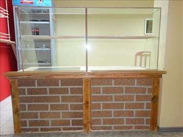 Stolici i stolovi, vitrina