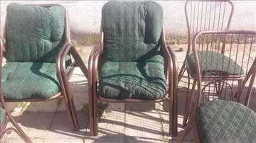 Fotelja metalna