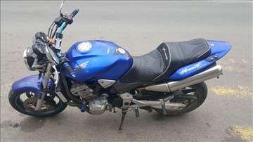 Honda hornet hitno prodajem!!!!cena dogovor!