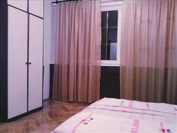 Izdaje se soba 35 kvadrata - Obilićev Venac