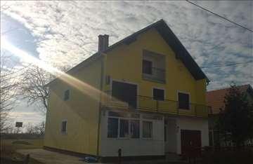 Kuća u Šimanovcima, 11,5 ari placa