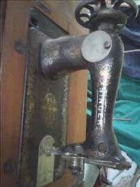Singer šivaća mašina, antikvitet.