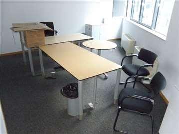 Kompletan kancelarijski nameštaj u odličnom stanju