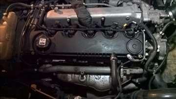 Alfa romeo motor 156 2,4 jtd 2003 DOMACE TABLE