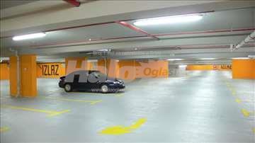 Izdajem podzemnu garazu, Nis Dusanova ulica